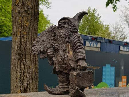 Вроцлавский гном, подаренный Вроцлавом Каунасу, мост Симоно-Дауканто, Каунас
