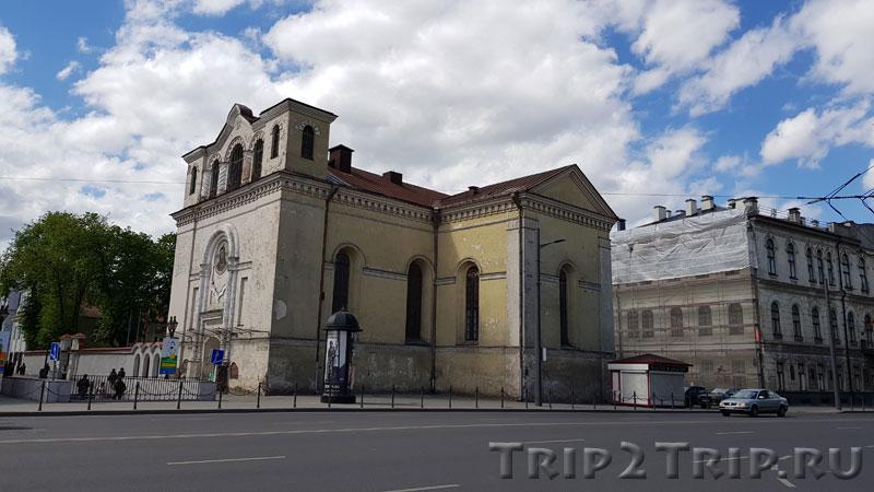 Костёл Тела Господня, Улица Вильняус, Каунас