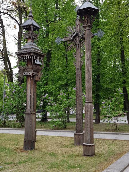 Кресты в Сквере Виенубес (Единства), Каунас