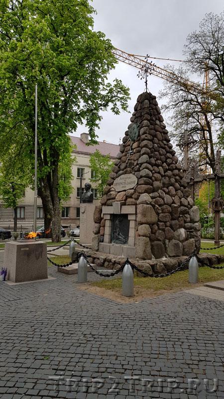 Памятник Неизвестному солдату, сквер Виенубес, Каунас
