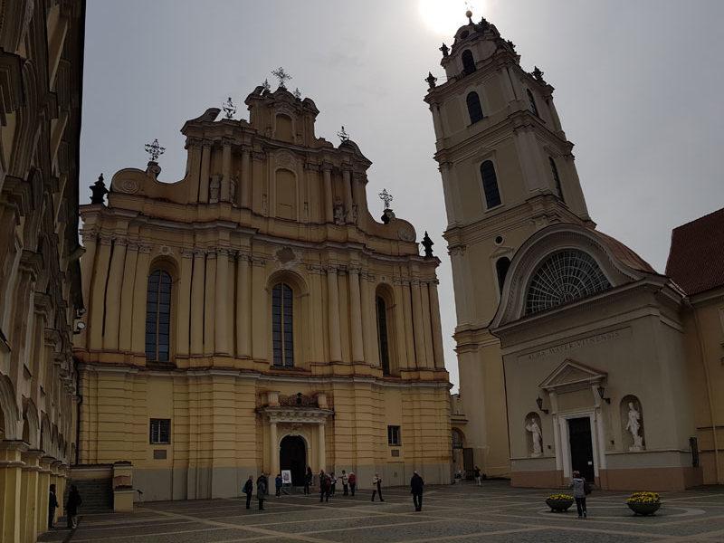 Костёл Обоих Иоаннов и Колокольня, Вильнюсский Университет