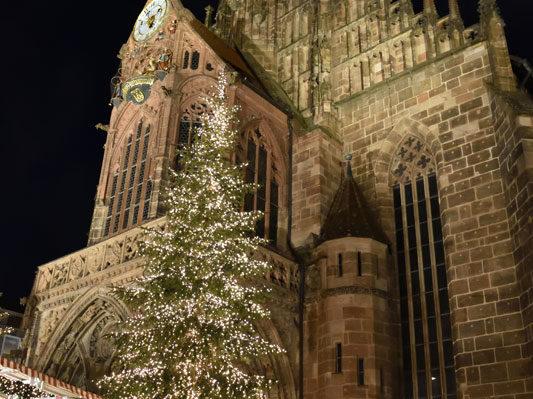 Церковь Святой Марии (Фрауэнкирхе), Рыночная площадь, Нюрнберг