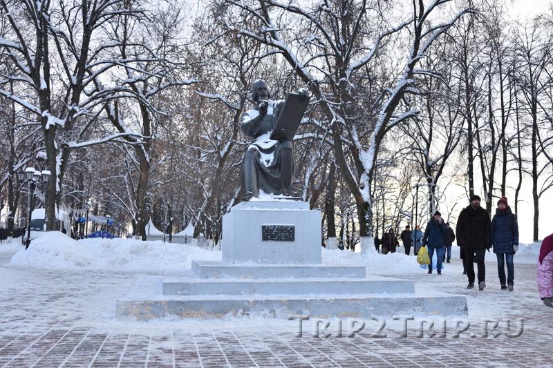 Памятник Андрею Рублёву, Соборная площадь, Владимир
