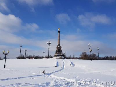 Стрелка Волги и Которосли, Ярославль