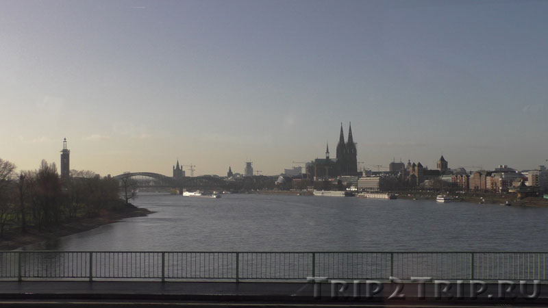 Панорама Кёльна с Рейном