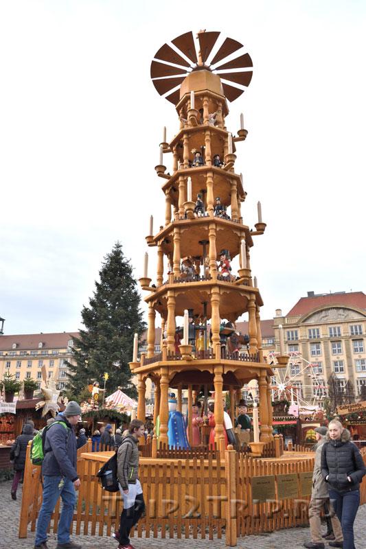 Рождественская пирамида, ярмарка Штрицельмаркт, Дрезден