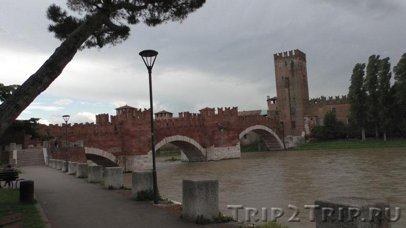 Мост Скалигеров через реку Адидже, Италия