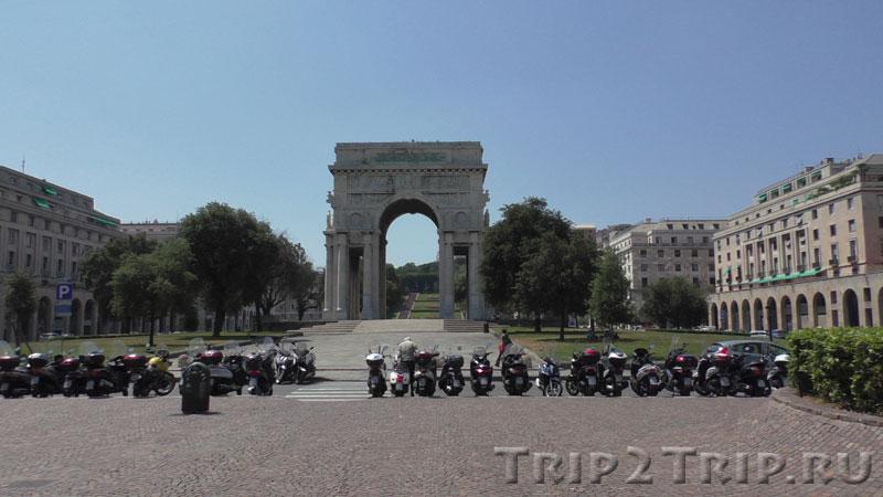 Триумфальная арка, Пьяцца-делла-Виттория, Генуя