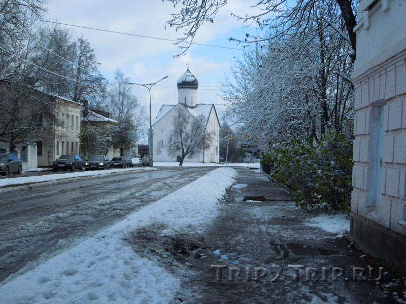 Церковь Спаса в перспективе Ильиной улицы, Великий Новгород