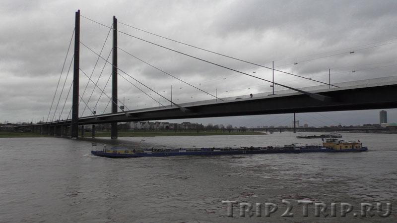 Мост Рейнкни, Дюссельодорф