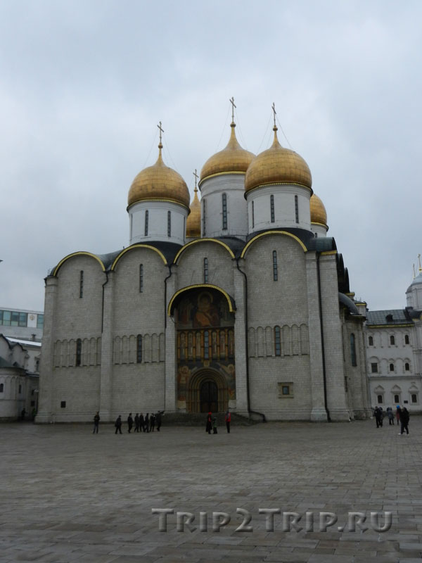 Успенский собор, Московский кремль внутри