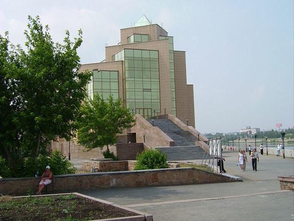 Музей Южного Урала, набережная Миасса, Челябинск