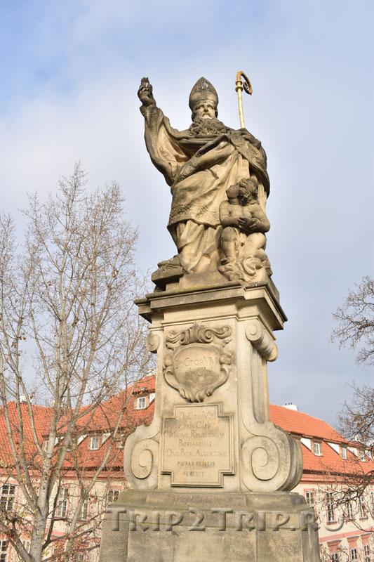 Св. Августин, Карлов Мост, Прага. Одиннадцатая фигура справа