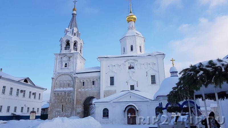 Палаты Андрея Боголюбского и Богородице-Рождественский собор, Боголюбский монастырь, Боголюбово
