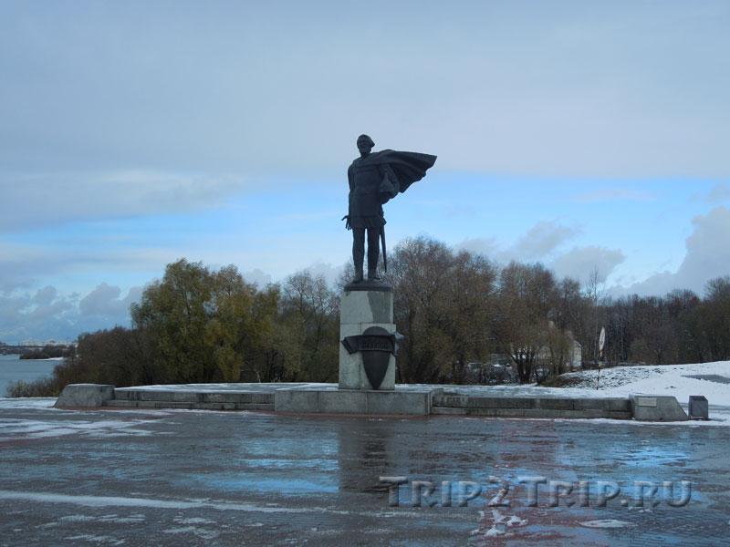 Памятник Александру Невскому, набережная Александра Невского, Великий Новгород