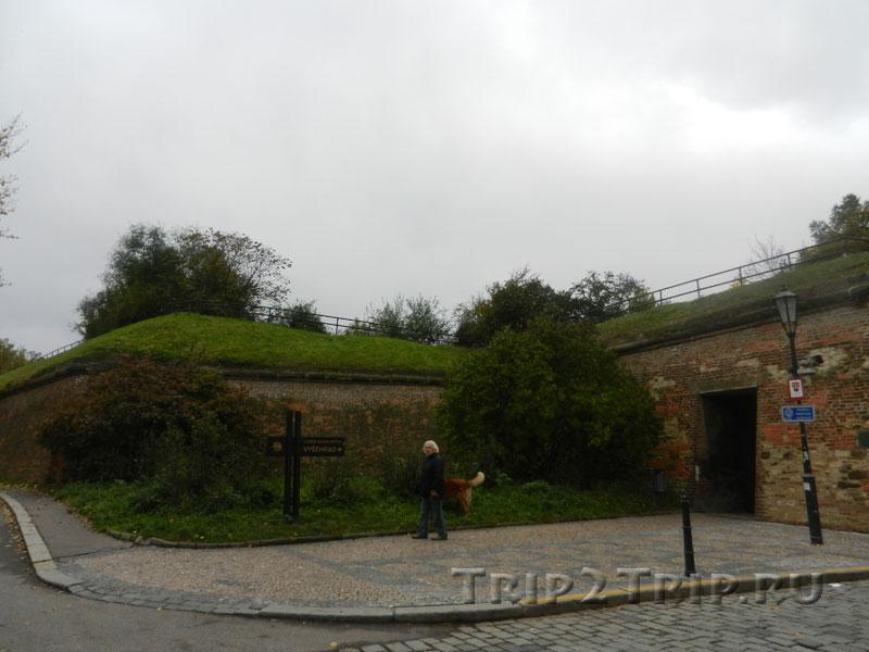 Слева от Таборских ворот, Вышеград, Прага