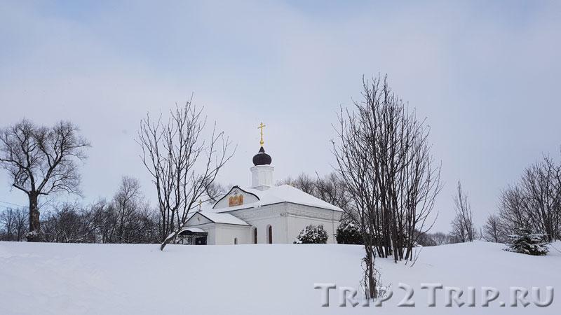 Церковь Трёх Святителей, Боголюбово