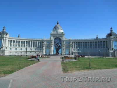 Дворец Земледельцев, Кремлёвская набережная, Казань