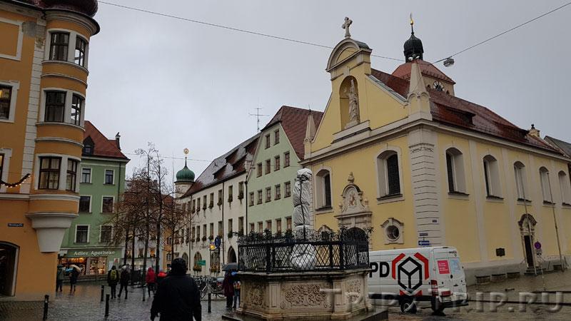 Церковь Святого Иоанна и Епископский дворец в Регенсбурге