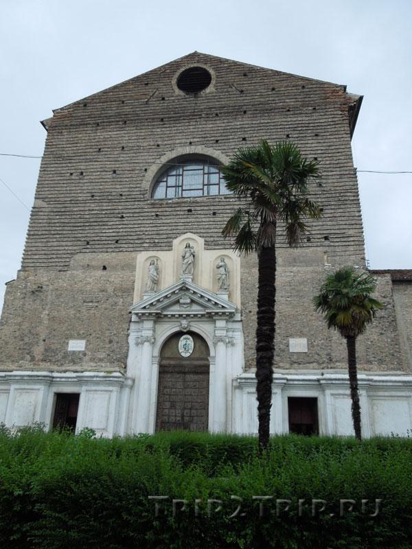 Базилика Санта-Мария-дель-Кармине, Падуя