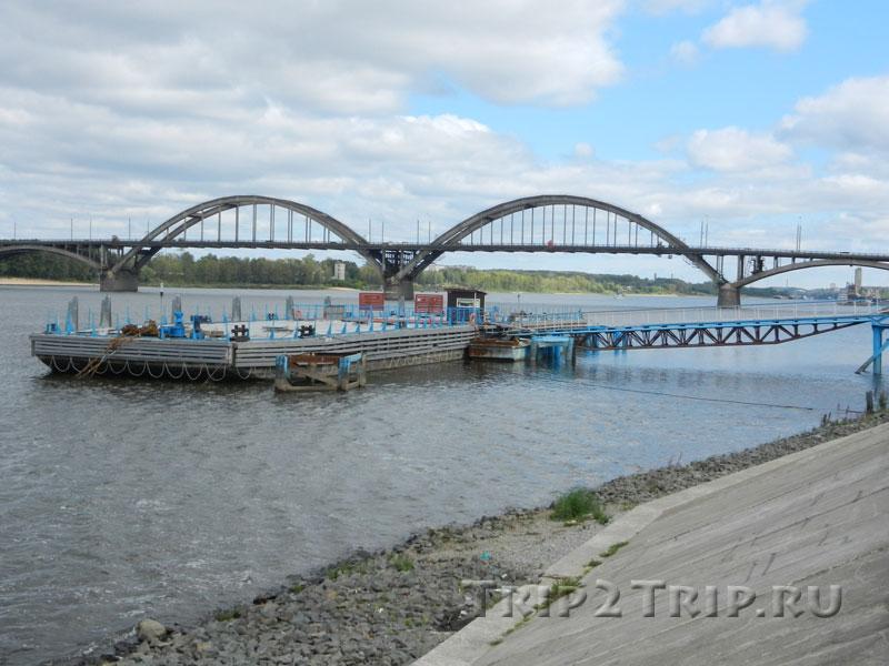 Рыбинский мост и сгоревший дебаркадер, Рыбинск