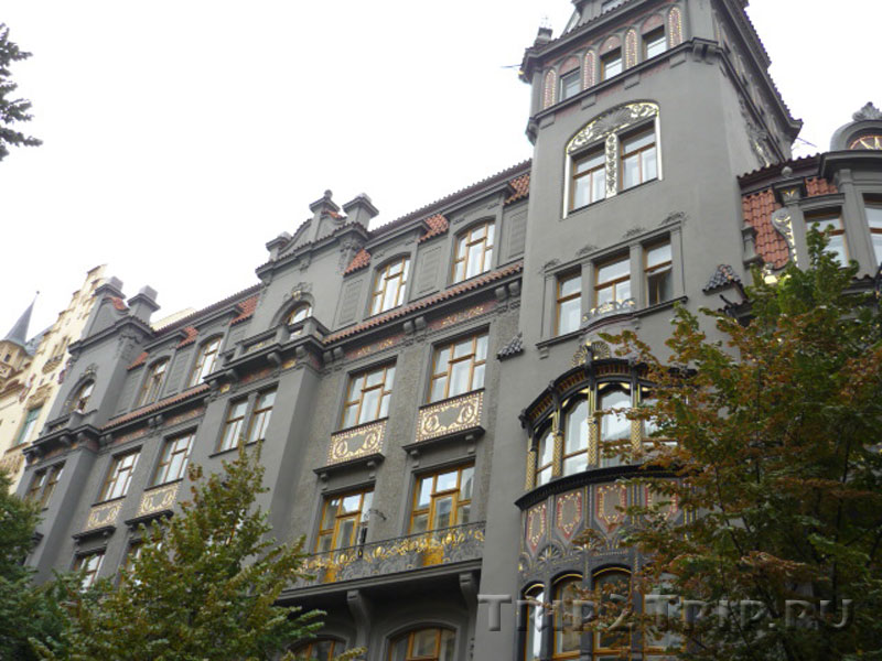 Фасад доходного дома у Староновой синагоги по Парижской улице, Йозефов, Прага