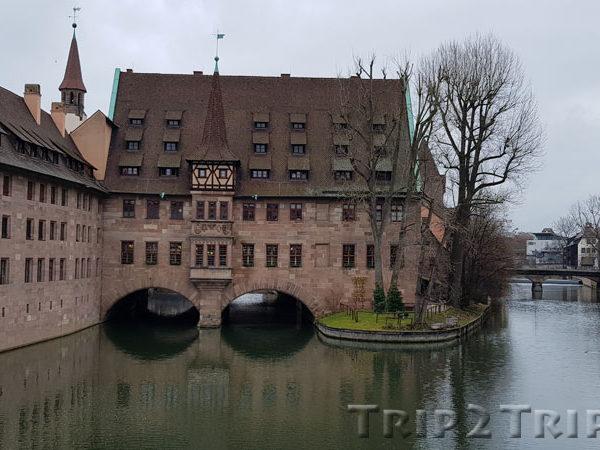 Больница Святого Духа, вид с Госпитального моста, Нюрнберг
