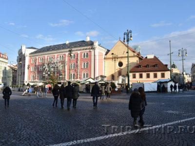 ТЦ Палладиум и церковь Святого Иосифа, площадь Республики, Прага