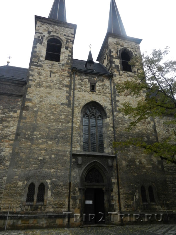 Вестверк костёла Святого Петра, Прага