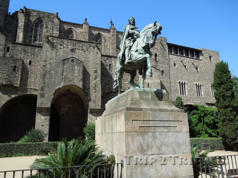 Памятник графу Рамону Беренгеру III, Готический квартал, Барселона