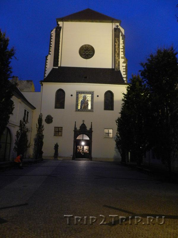 Костёл Девы Марии Снежной, Прага