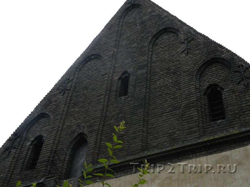Щипец Староновой синагоги, Йозефов, Прага