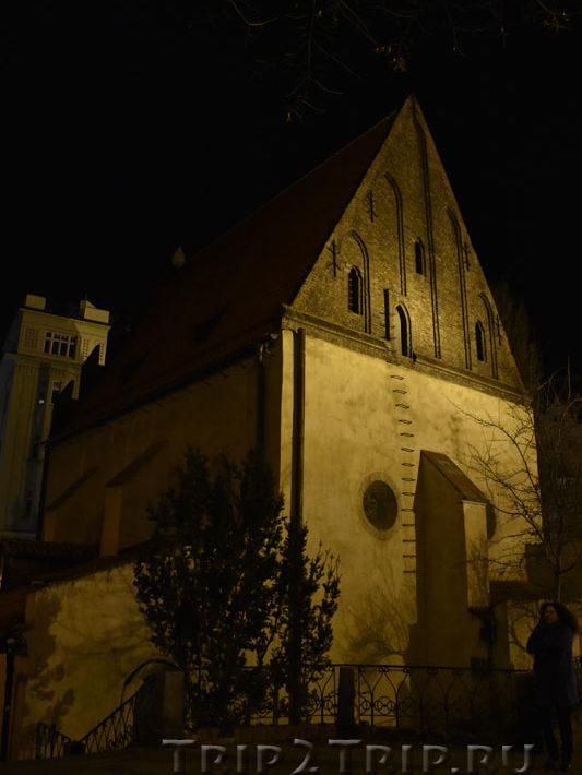 Староновая синагога ночью, Йозефов, Прага