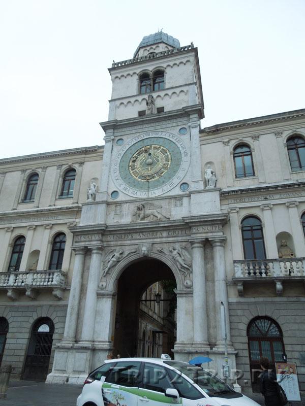 Часовая башня, площадь Синьоров, Падуя