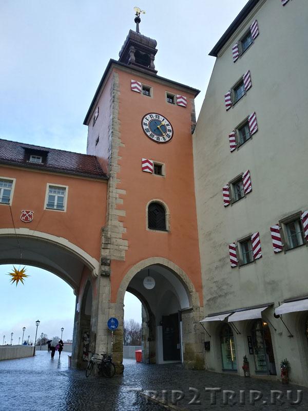 Мостовая (Долговая) башня, Каменный мост в Регенсбурге