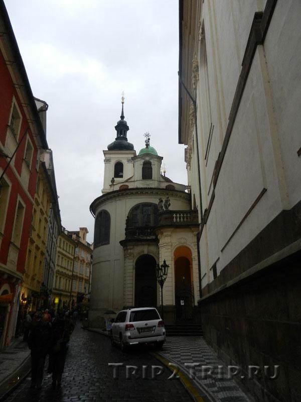 Влашская (Итальянская) часовня Успения Девы Марии, Карлова улица, Прага