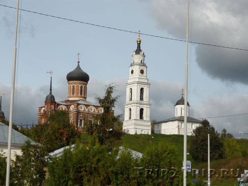 Волоколамское Городище: Никольский собор, колокольня, Воскресенский собор