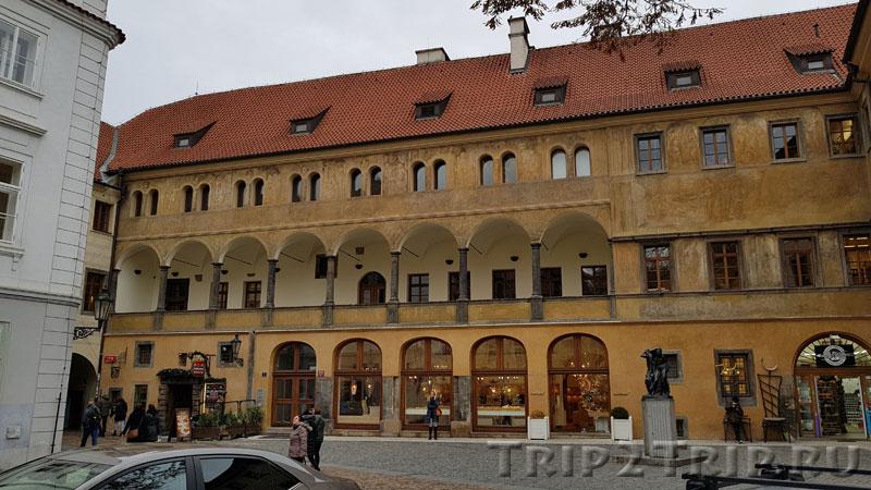 Дворец Грановских, Унгельт (Тын), Прага