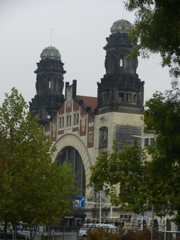 Старое здание Главного железнодорожного вокзала Праги