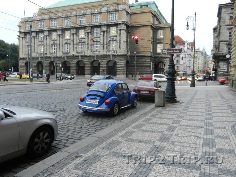 Философский факультет Карлова Университета, площадь Яна Палаха, Прага