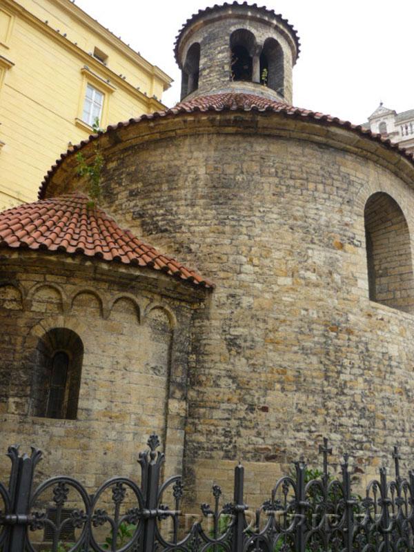 Ротонда Святого Креста, Прага