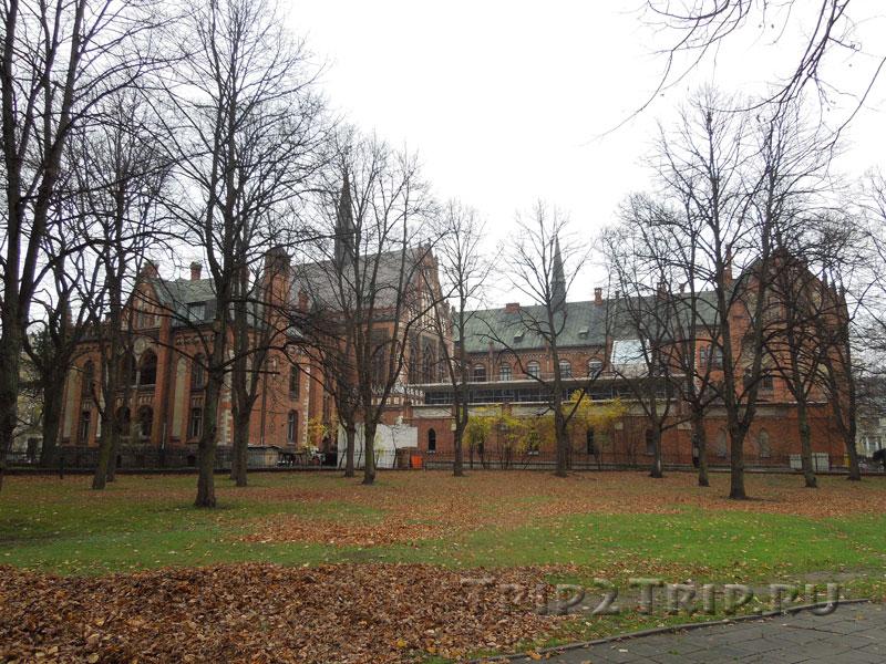 Латвийская художественная академия, эспланада, Рига