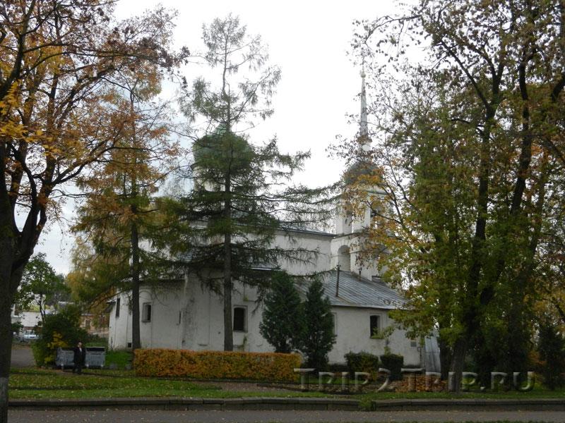 Храм Анастасии Узорешительницы в Кузнецах, Окольный город, Псков