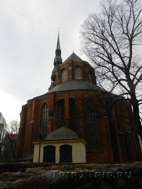 Деамбулаторий церкви Святого Петра, улица Скарню, Рига