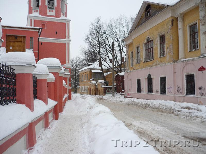 Улица Баумана в районе Свято-Георгиевской церкви, Калуга