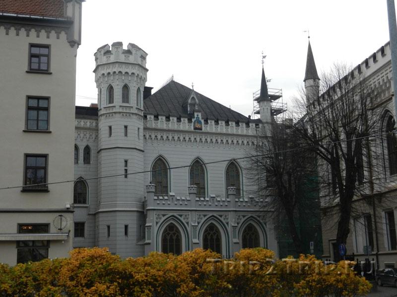 Малая гильдия, Ливская площадь, Рига