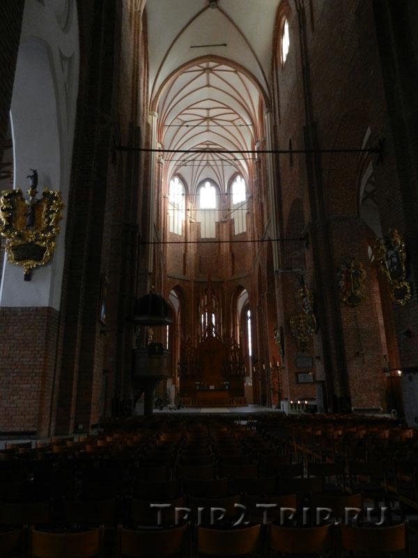 Центральный неф, интерьер церкви Святого Петра, Рига