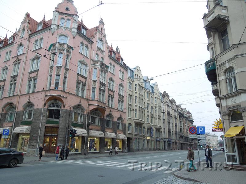 Улица Бривибас после Министерства Экономики, Рига
