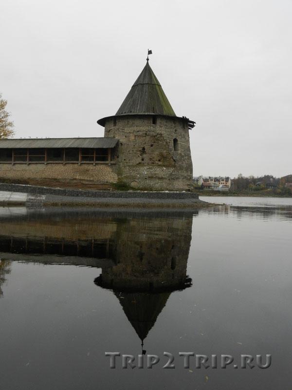 Плоская башня, псковский Кром