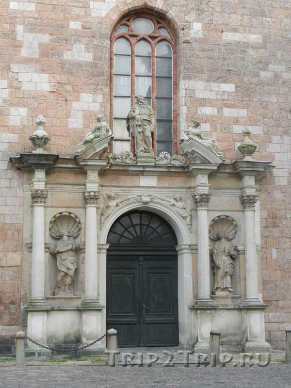 Центральный портал, церковь Святого Петра, Рига